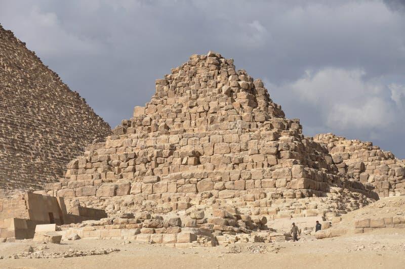 Alte kleine Pyramide in Ägypten lizenzfreies stockfoto