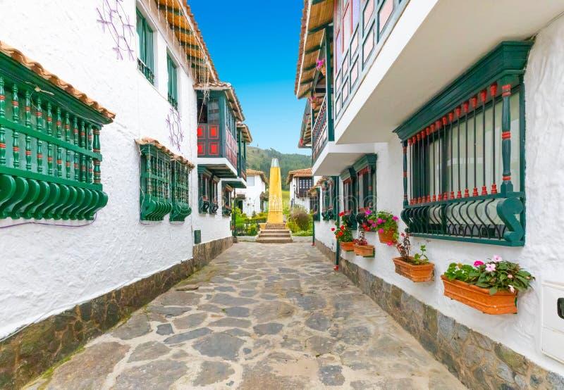 Alte kolumbianische Häuser Duitama in der historischen Mitte stockfoto
