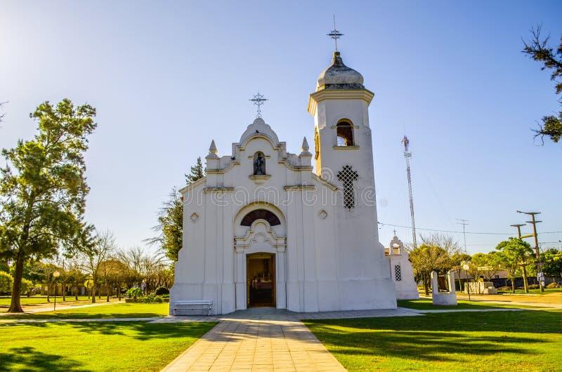 Alte landwirtschaftliche Kirche stockfotos