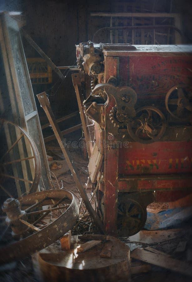 Alte landwirtschaftliche Maschinen stockbilder