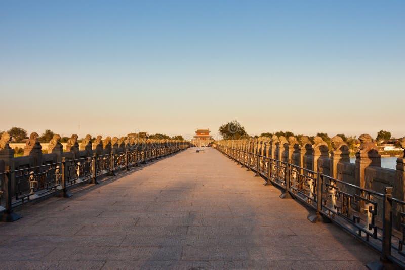 Alte Lugou Brücke/Marco- Polobrücke, Peking stockbild