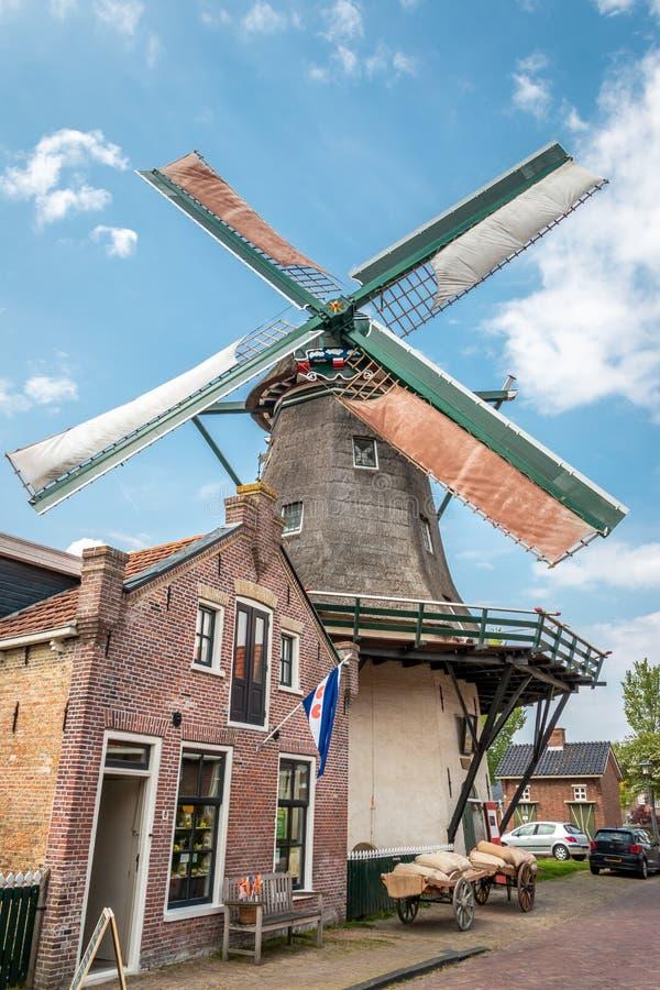 Alte Mühle, zum des Kornes zu reiben lizenzfreies stockfoto