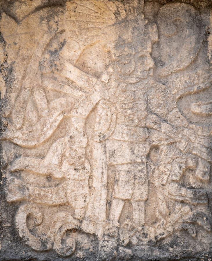Alte Mayasteinentlastung, die einen König darstellt lizenzfreie stockfotografie