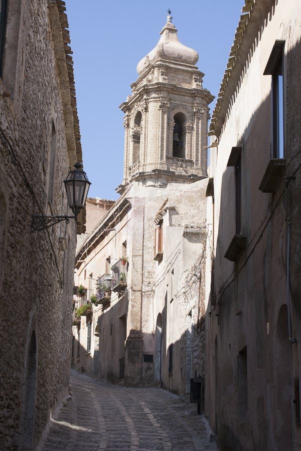Alte Mittelalterstra?e in Erice, Sizilien Italien lizenzfreie stockfotografie