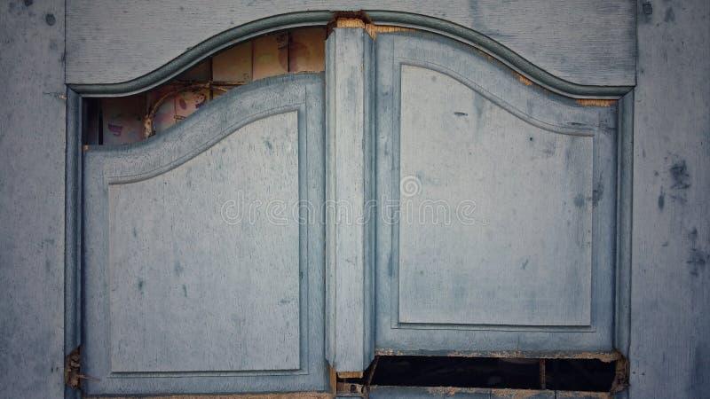 alte Mode der Weinlese der zerbrochenen Fensterscheibe lizenzfreies stockfoto