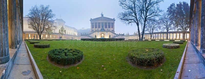 Alte Nationalgalerie (старая национальная галерея) на Берлине, Германии стоковые изображения