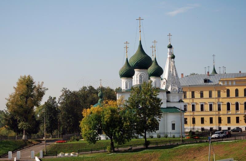 Alte orthodoxe Kirche im historischen Stadtzentrum von Yaroslavl, Russland stockbild