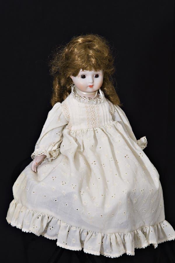 Alte Porzellan-Puppe lizenzfreie stockfotografie