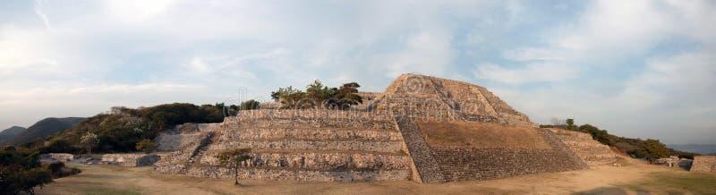 Alte Pyramide in Xochicalco, Mexiko stockbild