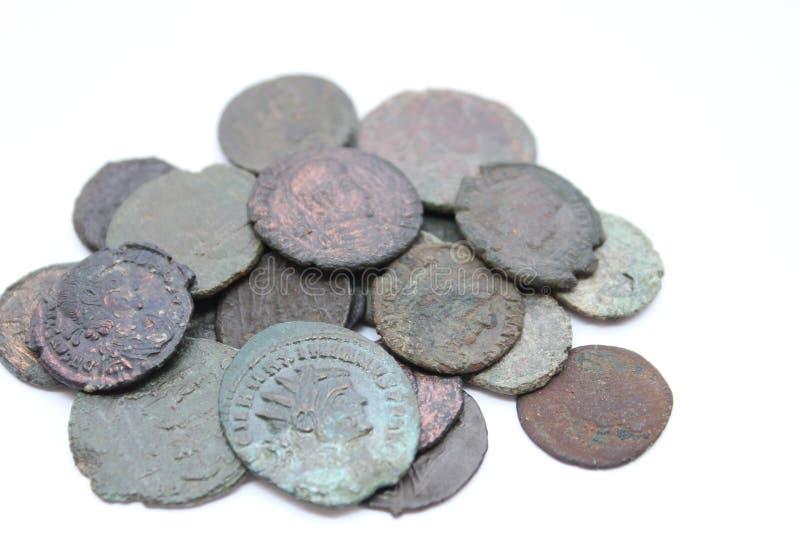 Alte römische Münzen lizenzfreie stockfotos
