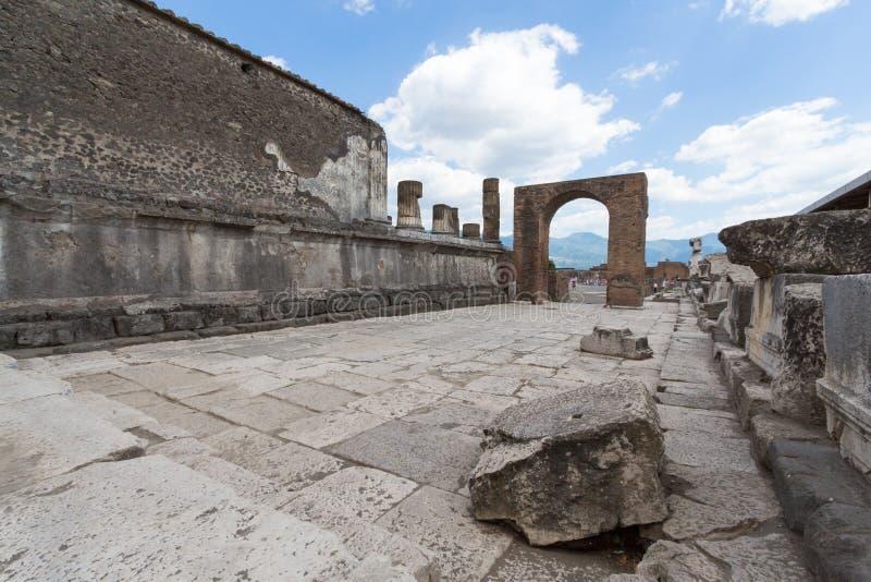 Download Alte Roman Pompei-Ruinen foto de archivo. Imagen de catástrofe - 64204720