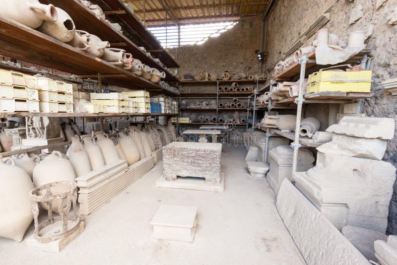 Download Alte Roman Pompei-Ruinen imagen de archivo. Imagen de edificio - 64204805