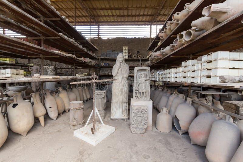 Download Alte Roman Pompei-Ruinen foto de archivo. Imagen de catástrofe - 64204904