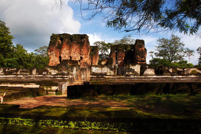 Alte Ruinen bei Polonnaruwa lizenzfreies stockfoto