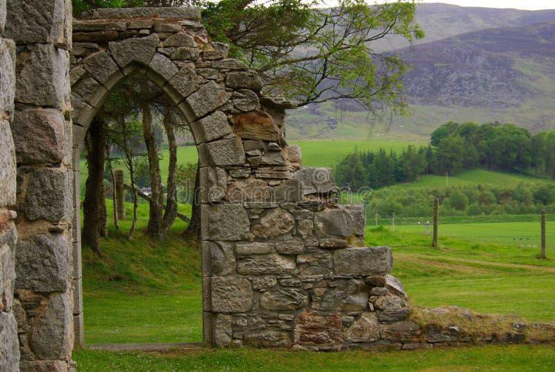Alte Ruinen der Kirche in Schottland stockfotografie