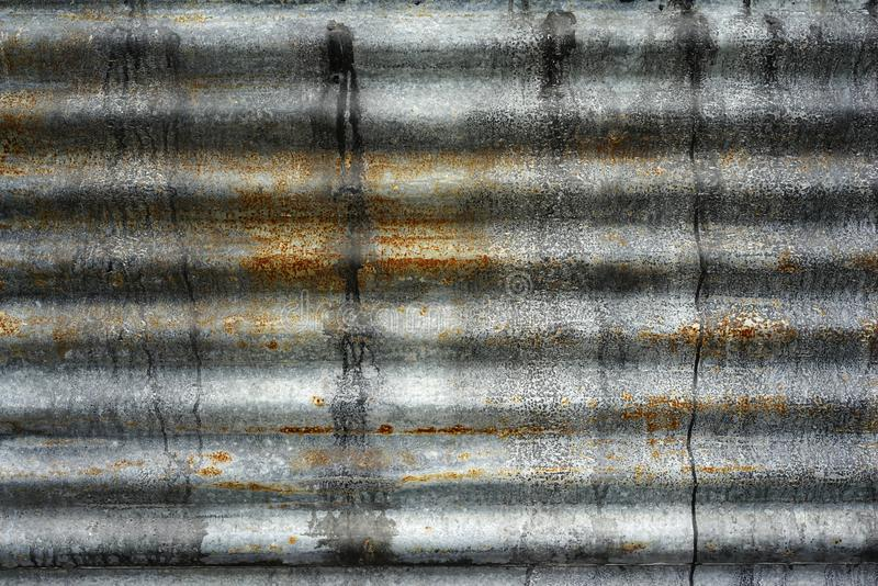 Alte rustikale Zinkblechwandbeschaffenheit rostiger Wandhintergrund des Schmutzes lizenzfreie stockfotografie