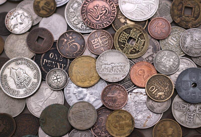 Alte Sammlung des ausländischen Münzens stockbild