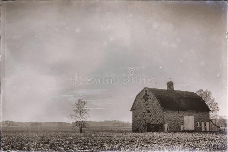 Alte Scheune auf Bauernhof in Indiana-Landschaft Schwarzweiss vektor abbildung
