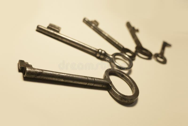 Alte Schlüssel stockfotografie