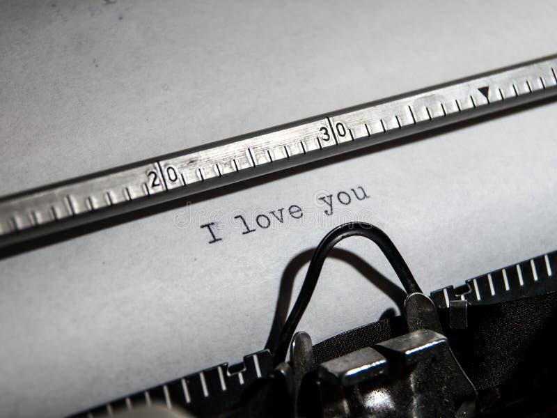 Alte Schreibmaschine Schreiben` ich liebe dich ` lizenzfreies stockbild
