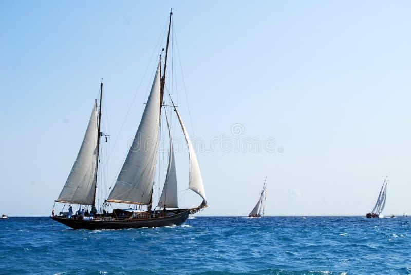 Alte Segelnboote in den Imperia stockfotografie