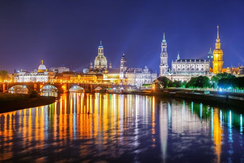 Alte Stadt Dresdens nachts, Deutschland lizenzfreie stockfotos