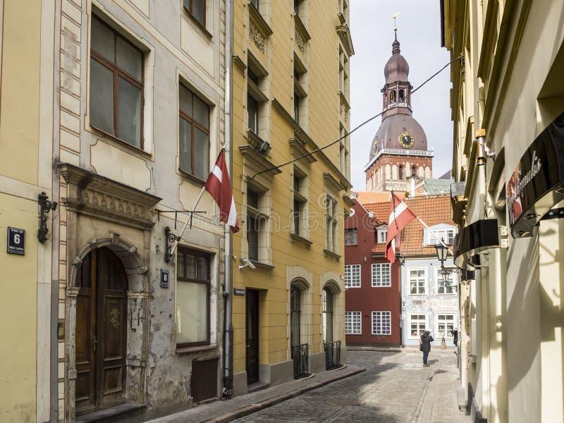 Alte Stadt Rigas am Frühjahr stockfotos