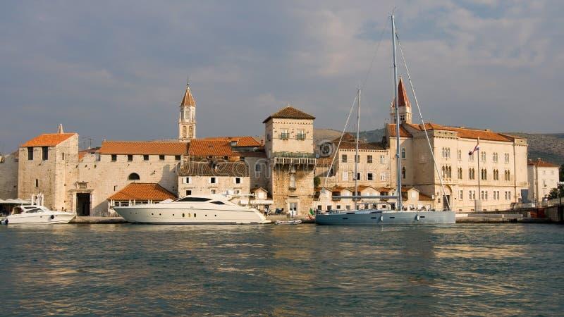 Alte Stadt von Trogir lizenzfreies stockfoto