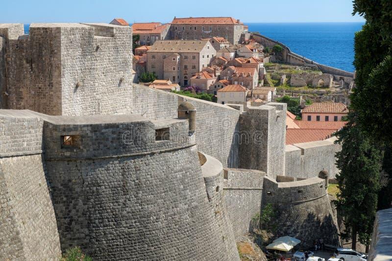 Alte Stadt Wand-Dubrovniks, Kroatien stockfoto