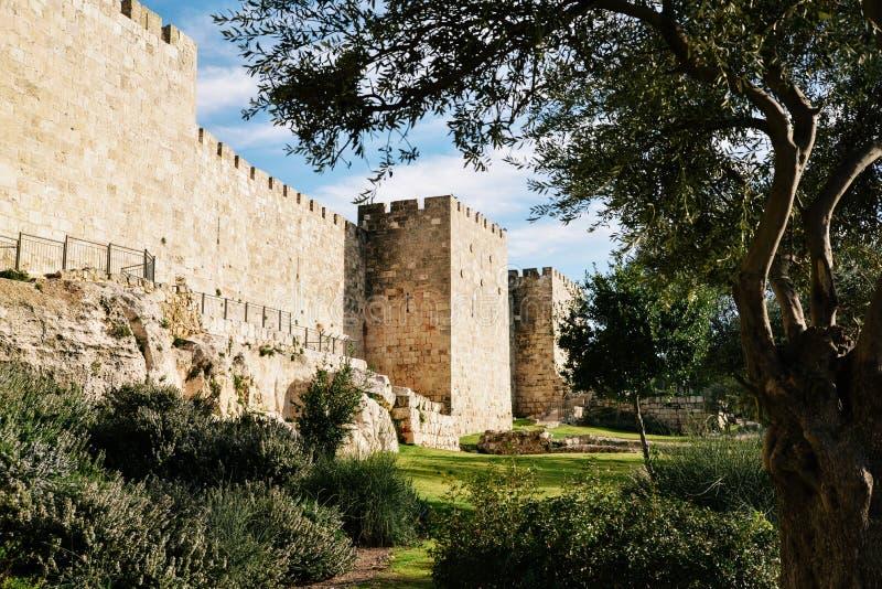Alte Stadt-Wand von Jerusalem stockbilder