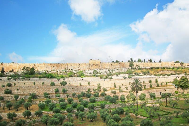 Alte Stadtmauer Jerusalems, Israel Ansicht von der Außenseite Blauer Himmel lizenzfreies stockfoto