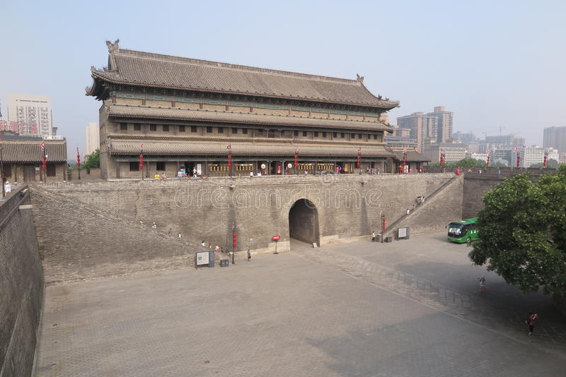 Alte Stadtmauer in Xian lizenzfreies stockbild