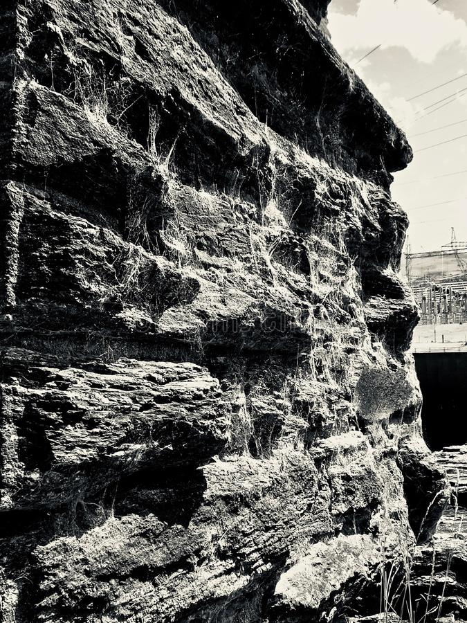 Alte Steinwand mit Spiderwebs nahe Roxburgh-Verdammung lizenzfreies stockfoto
