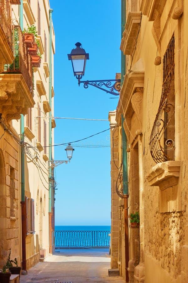 Alte Straße in Syrakus stockfoto