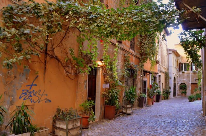 Alte Straße in Trastevere in Rom stockbild