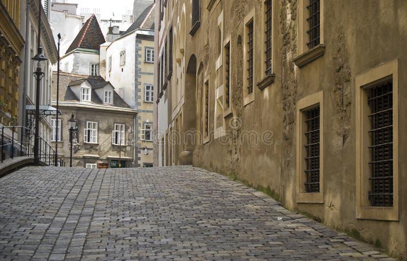 Alte Straße in Wien stockfotografie