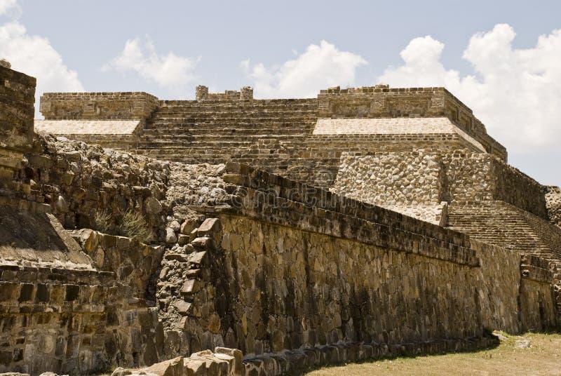 Alte Struktur des Steins in Monte Alban, Mexiko stockfoto
