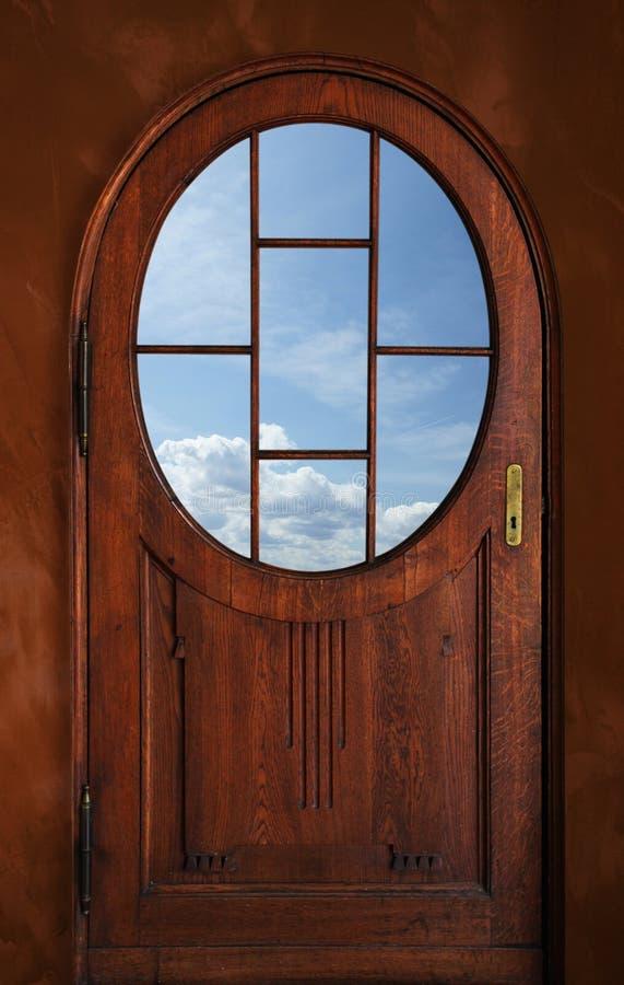 Download Alte Tür stockfoto. Bild von verriegelung, himmel, draußen - 12201452