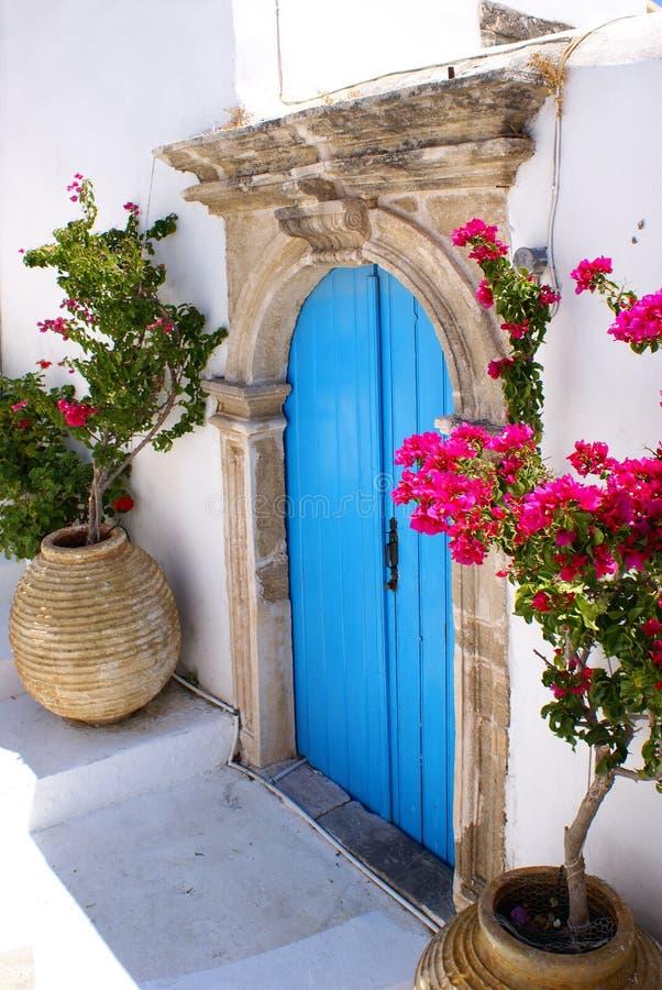 Alte Tür auf Kythera Insel, Griechenland lizenzfreies stockfoto