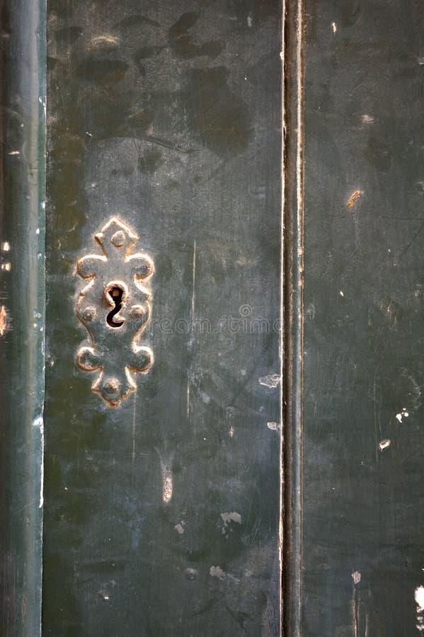 Alte Tür - vollkommener grunge Hintergrund lizenzfreies stockfoto