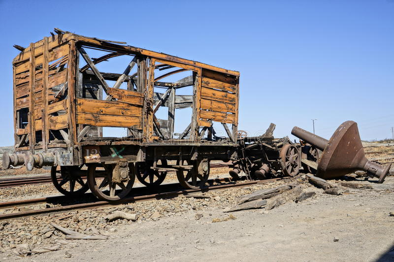 Alte Teildienste befördern Lastwagen. lizenzfreies stockbild