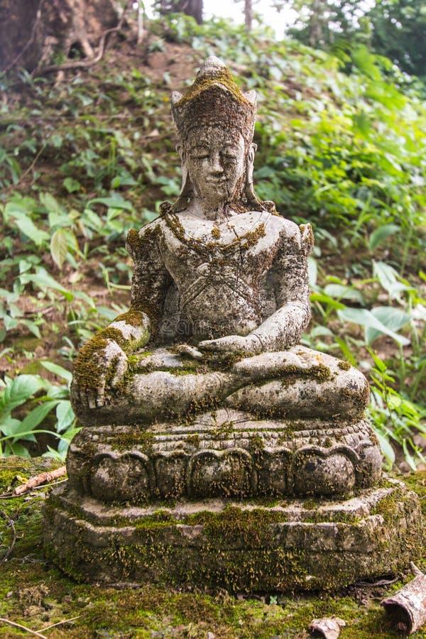 Alte thailändische Buddha-Statue, phra Maha-jakkapat stockbilder
