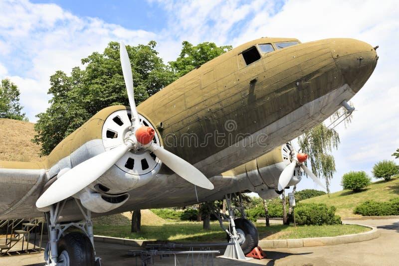 Alte Transportflugzeuge Li-2 des zweiten Weltkriegs lizenzfreies stockfoto
