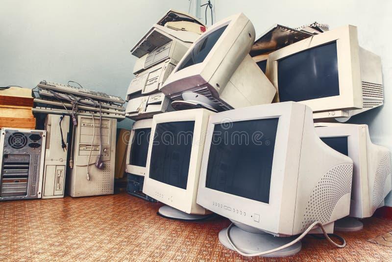 Alte unbenutzte Computer stockfotografie