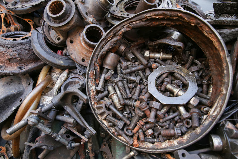 Alte und benutzte Maschinerie-Teile stockbild