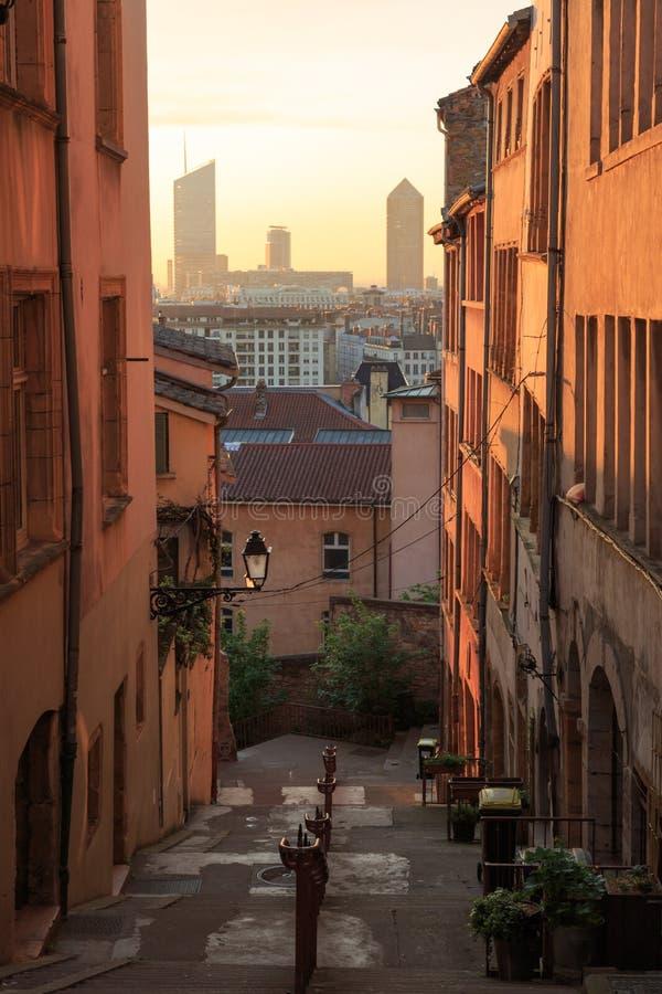 Alte und neue Architektur in Lyon lizenzfreies stockfoto