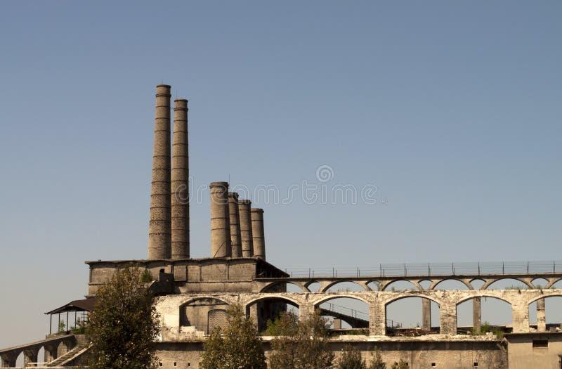 Alte verlassene Fabrik lizenzfreies stockfoto