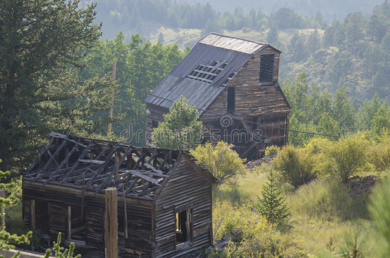 Alte verlassene Goldmine gelegen in Victor Colorado stockfotos