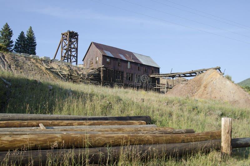 Alte verlassene Goldmine gelegen in Victor Colorado stockfoto