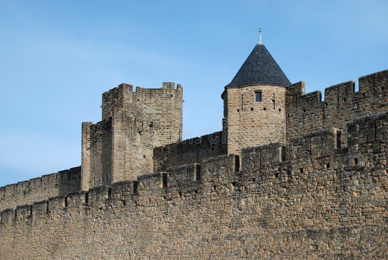 Alte Verteidigungwände von Carcasson ziehen sich, Frankreich zurück stockbild